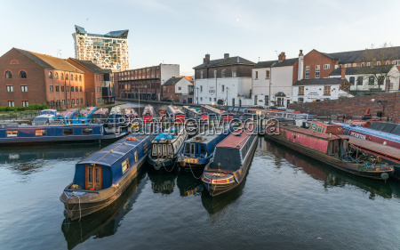 houseboats on the gas street canal